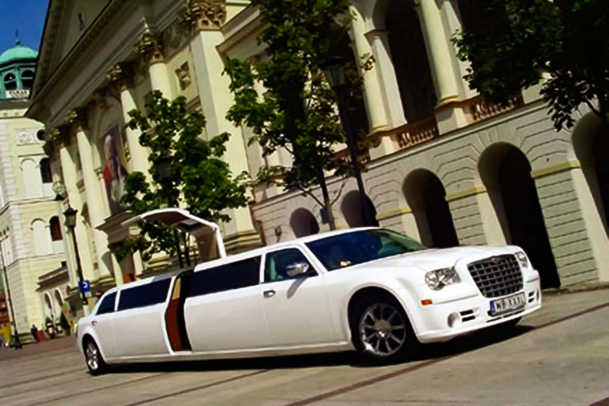 Chrysler is ready to host a group of up to 15 people with our premium limousine transports from and to warsaw airports