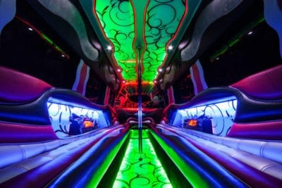 Hire Party Bus Warsaw con un ballerino a Varsavia