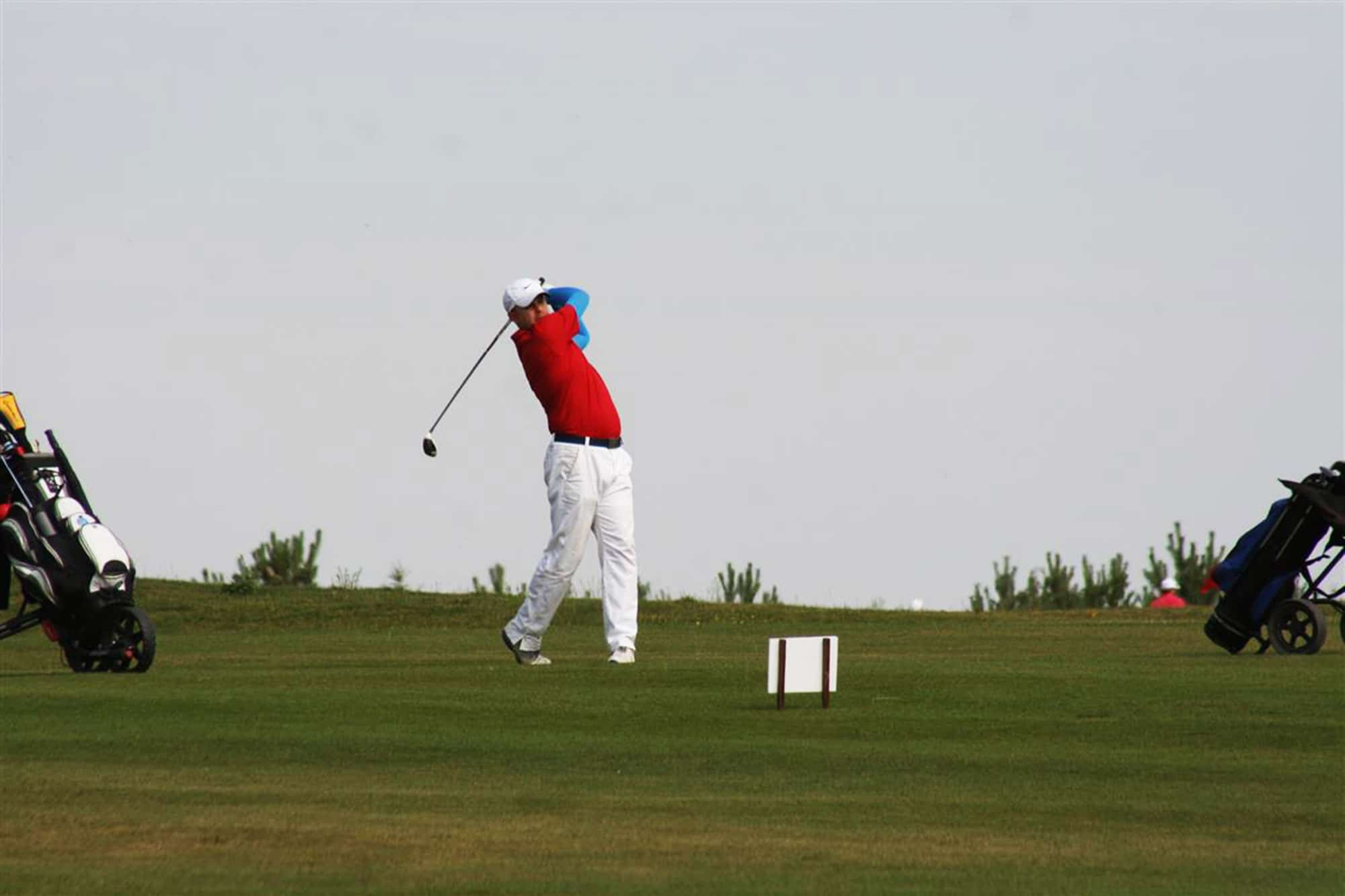 Would you like to try out golf in Warsaw?
