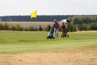 Prepare-se para a experiência VIP extraordinária aproveite a viagem de golfe em Varsóvia