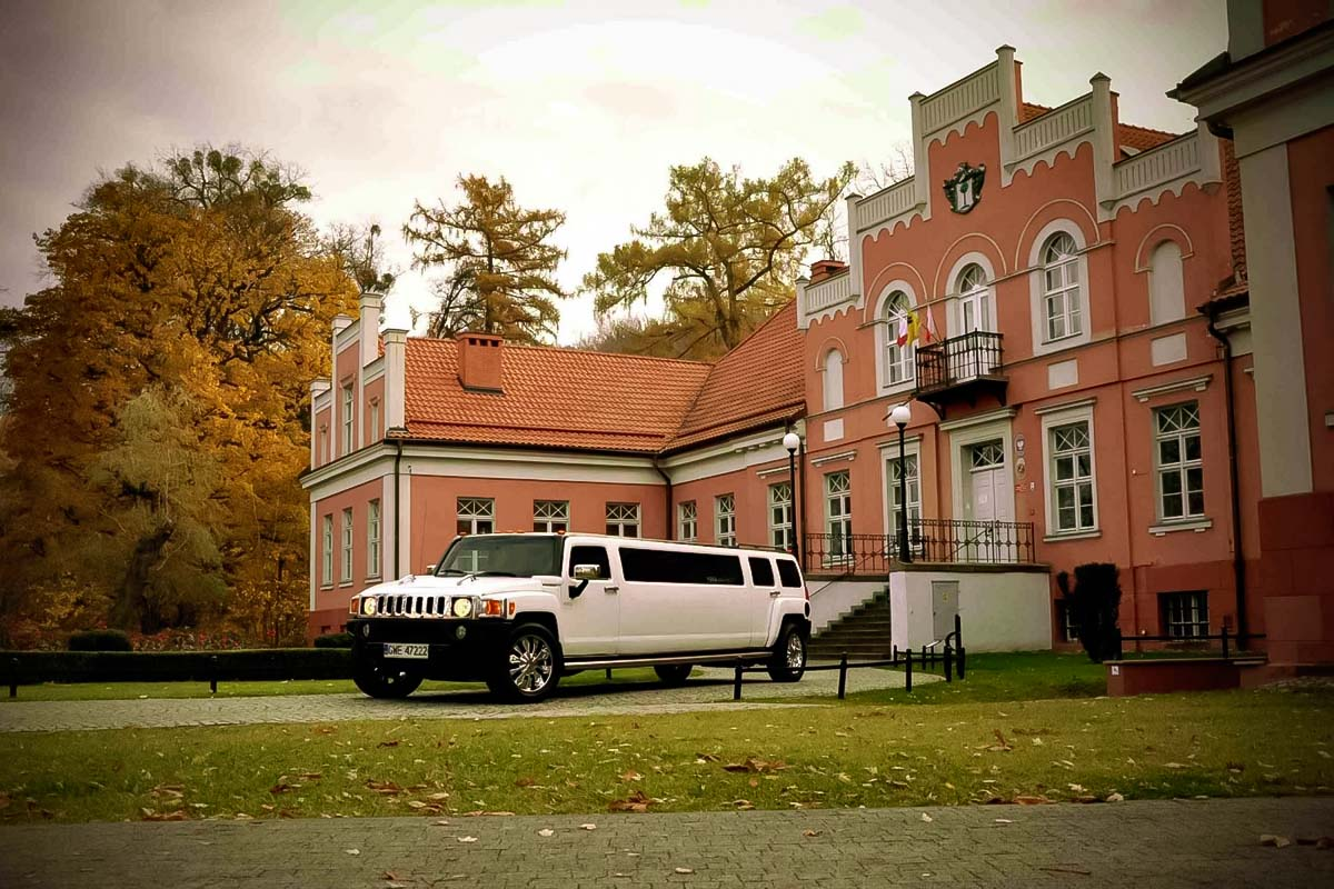 Enjoy the hummer limousine ride in warsaw on a Stag Limo Quest with your awesome local guides