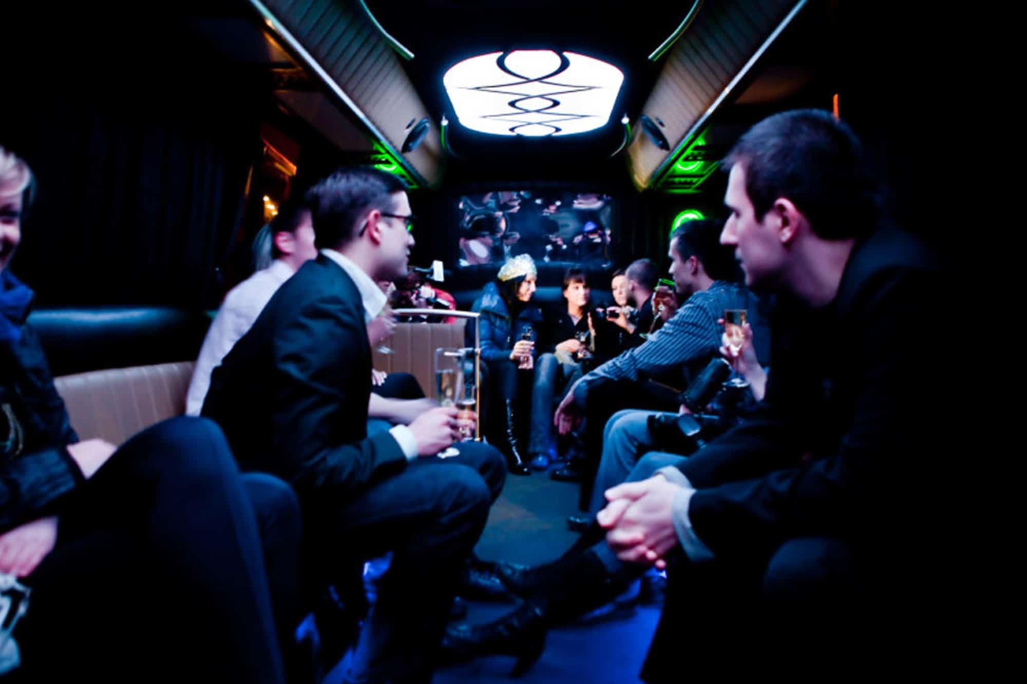 Party Bus Krakow super experiência para grupos e veados em Cracóvia