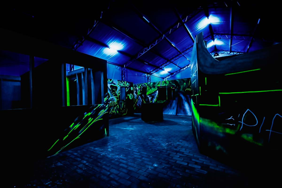 Este último local para um laser tag warsaw é incrível