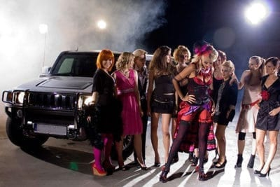 HEN PARTY LIMO + CHIPPENDALE