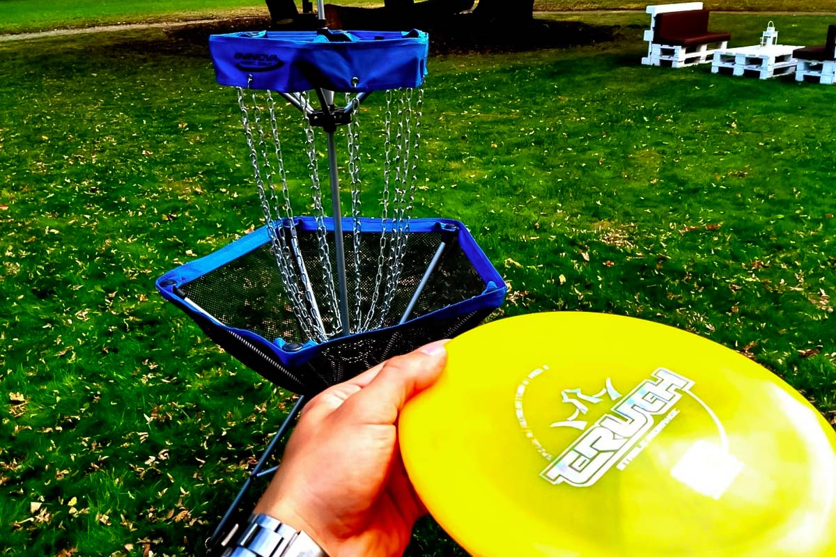 Disc in the outdoor disc golf