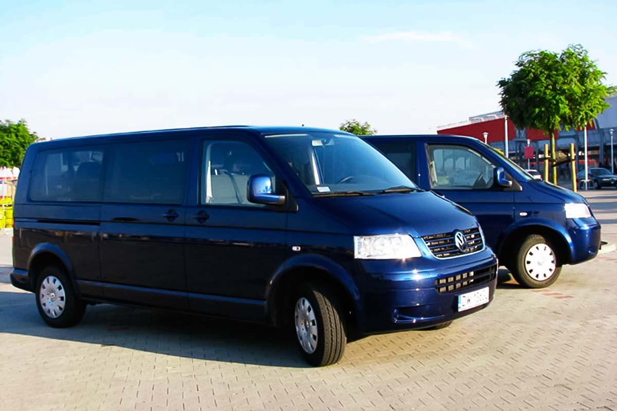 Escolha um minibús privado para o seu grupo para chegar de um aeroporto de Wroclaw ao seu destino